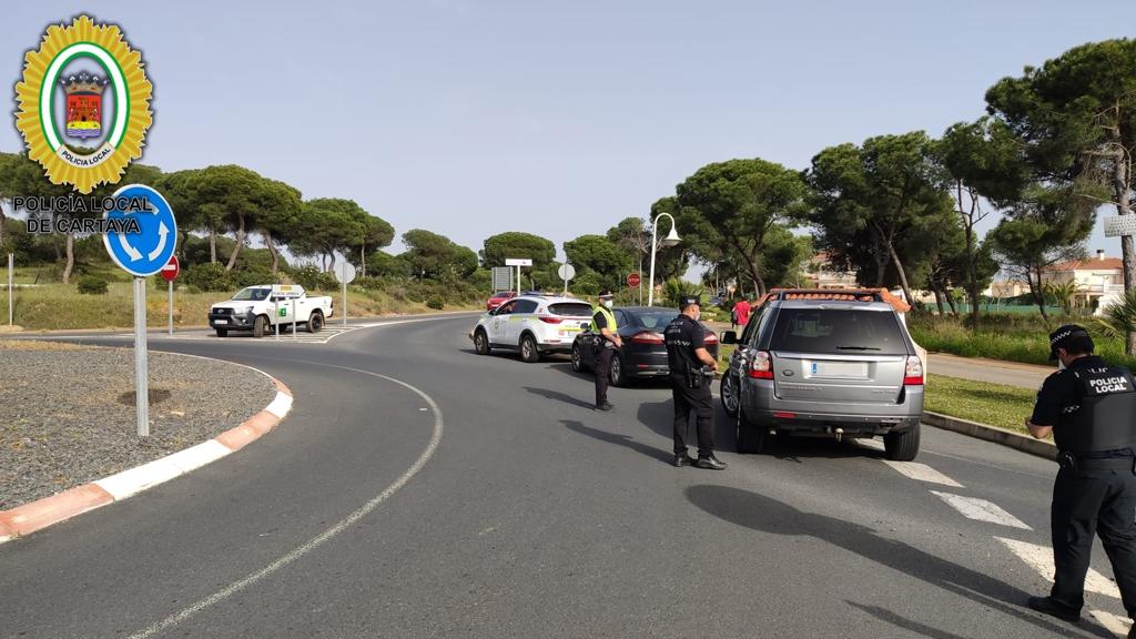 La Policía Local de Cartaya detiene a un conocido delincuente en un fin de semana en el que interpone 11 denuncias por saltarse la normativa COVID