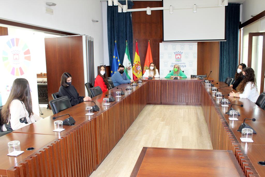 El Ayuntamiento de Cartaya favorece la formación y la empleabilidad de los jóvenes con becas formativas