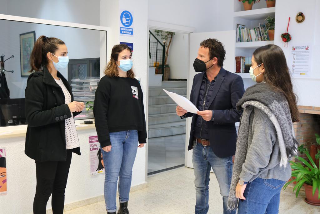 El Ayuntamiento de Cartaya implanta un sistema de gestión de colas en Servicios Sociales que elimina las colas y concentraciones de personas esperando en la puerta.