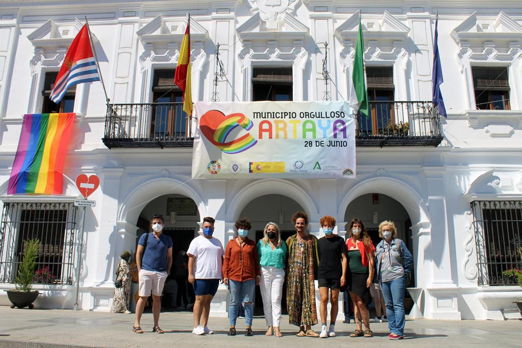 """Cartaya reivindica los derechos del colectivo LGTBIQ+ en el Día del Orgullo y """"da un paso de gigante hacia una sociedad más libre"""""""