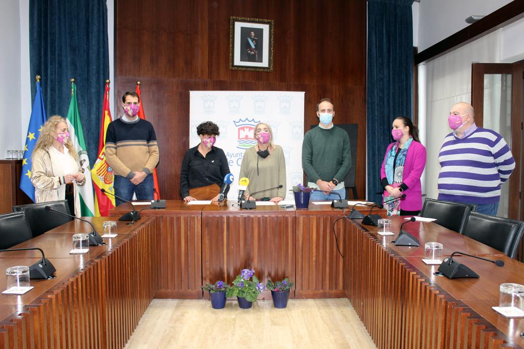 Manifiesto institucional en el Ayuntamiento de Cartaya en el Dia Internacional contra la Violencia de Género.