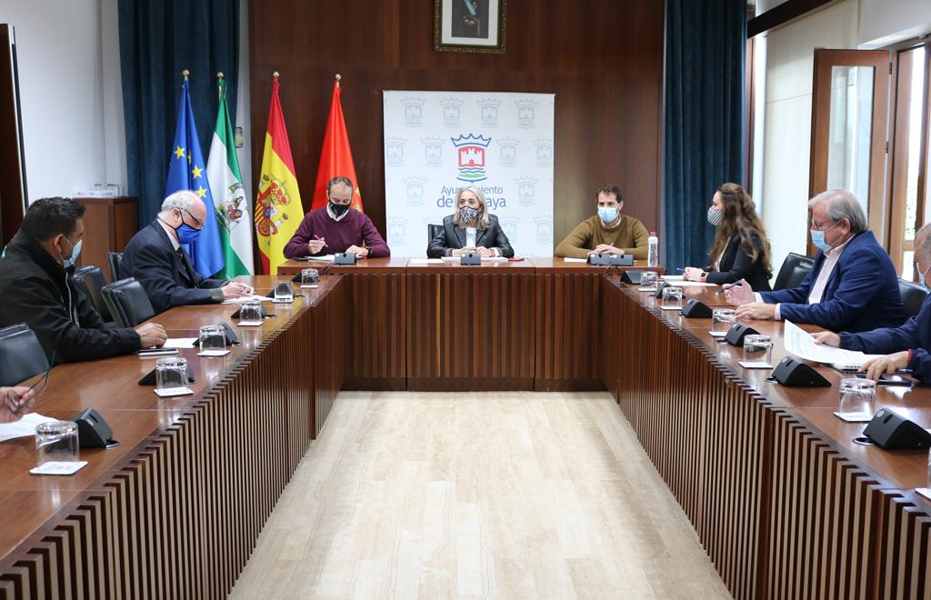El Ayuntamiento de Cartaya y el sector agrícola preparan la próxima campaña, con la seguridad ante el COVID-19 como principal objetivo