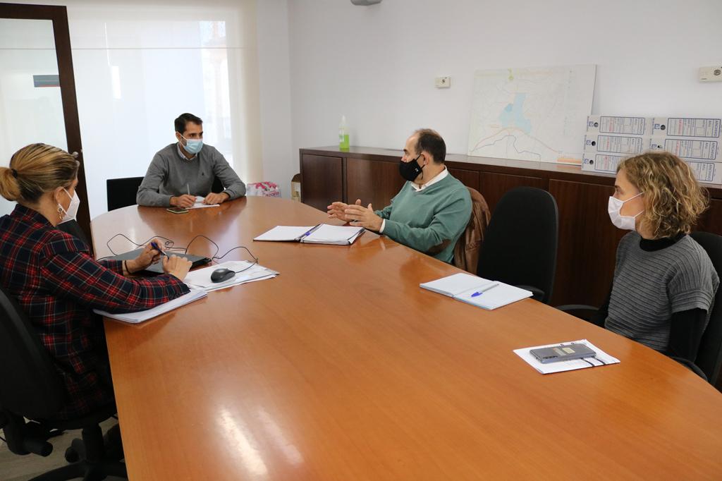 Ayuntamiento de Cartaya y Junta de Andalucía abordan la mejora de la gestión forestal del pinar cartayero.