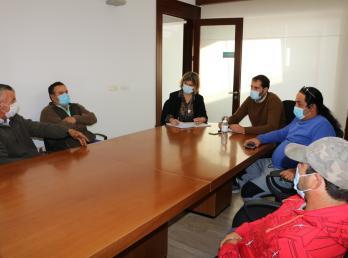 El Ayuntamiento de Cartaya se reúne con los carboneros para conocer sus demandas y estrechar lazos de colaboración.