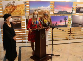 El Rompido, protagonista de la exposición 'Frescuras del Corazón' de Carmen Pérez en Cartaya